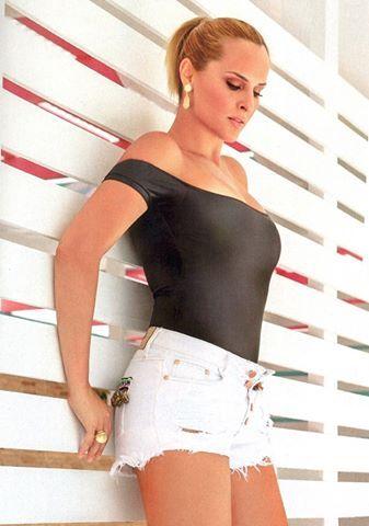 Κοσμήματα της συλλογής Roma φόρεσε η ηθοποιός Έλενα Ασημακοπούλου για τη φωτογράφισή της στο περιοδικό People!