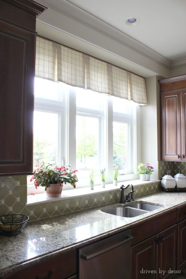 Best 25 transom window treatments ideas on pinterest for Kitchen designs with corner windows