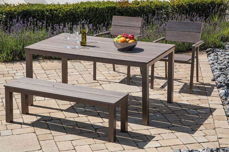 Duży i stabilny stół ogrodowy, oparty na nogach z aluminium malowanego proszkowo i blatem z drewna eukaliptusowego. To właśnie stół z kolekcji Minton.  http://meblefann.pl/ser-pol-12-Minton.html