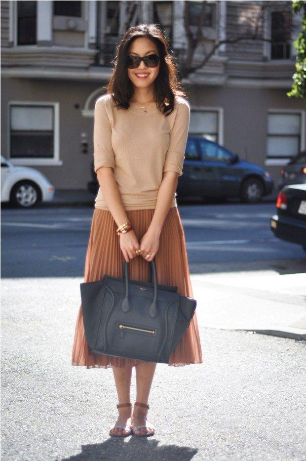 Sweater - Gap   Skirt - Zara  Necklaces - courtesy of Maya Brenner  Bracelets - Bulgari courtesy of Vogue Influencer Network, CC Skye courtesy of JoyaCHIC  Sandals - J.Crew  Sunglasses - Stella McCartney   Purse - Celine  #skirt    #pleated    #neutrals