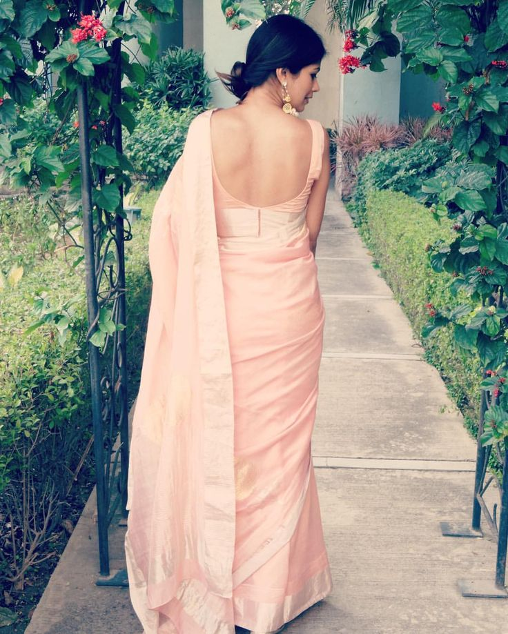 """141 Likes, 1 Comments - Nikita Garg (@theenigmaticlife) on Instagram: """"Receiving so much love, thanks to the saree! . . . . . . . . . #saree #blush #rawmango #blogger…"""""""