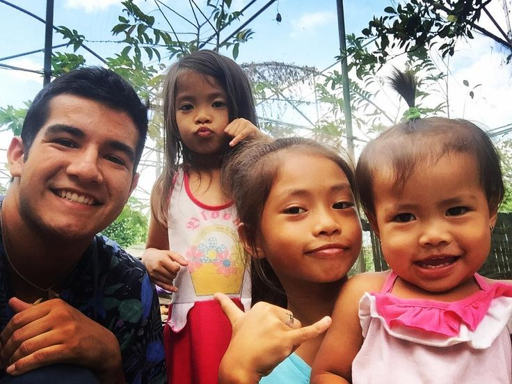 Meet Kenevick(oldest) shakira(middle child) and Savannah(the baby).I love these three little sisters. They are the cutest little group. The live in a squatter area (area where houses are made from bamboo wood and rubbish) but you would never know by the way they act. They have blessed me just being able to watch them and see how grateful and happy they are all the time regardless of their circumstances. Lovin God's little children. #philippines #travel #ywam #holoholo #holoholodts #Godisgood…