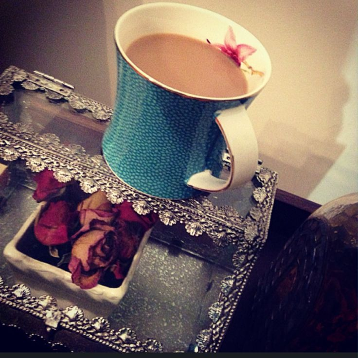 Tea time vintage rose