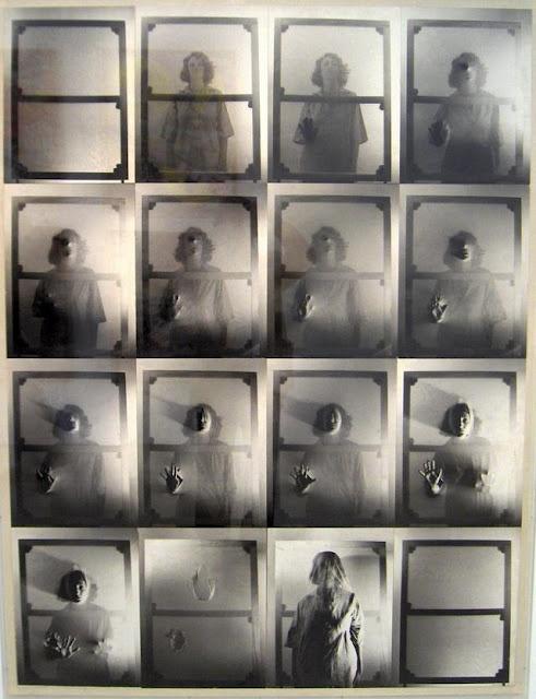 Helena Almeida, Ouve-me, 1979. Vídeo\VHS Significativamente, toda a obra de Helena Almeida não usa a escrita a não ser uma vez. E para escrever a palavra «Ouve-me». Mas esta injunção escreve-se ou escrevinha-se como uma linha de sutura que cose os lábios e impede a saída da voz, ou em frente de um écran-cortina que não deixa passar o corpo que poderia falar, mas não fala, que poderia dizer, mas não diz.