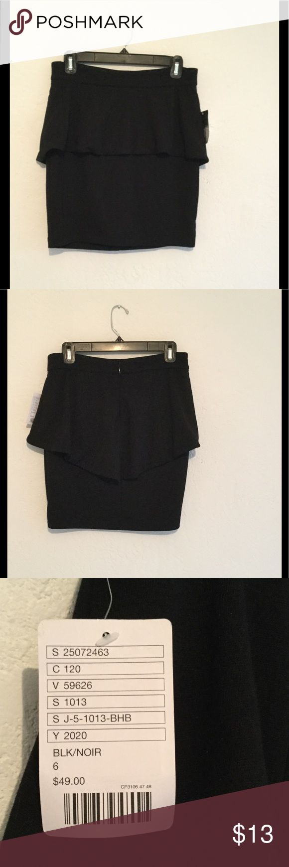 """NWT Black Peplum Skirt, Urban Outfitters Black peplum skirt, size 6. NWT. Great fit. I wear a size 2 now, and the skirt still fits well. 17"""" in length. Very flattering style 😍 Sparkle & Fade Skirts"""