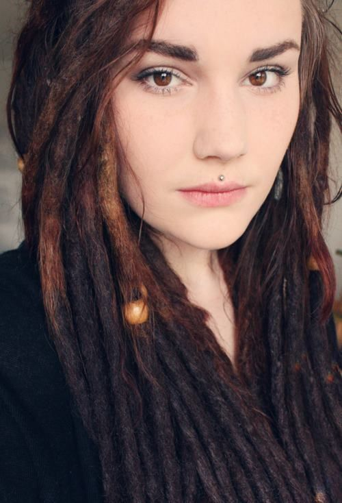 Brunette dreadlocks, dread bead