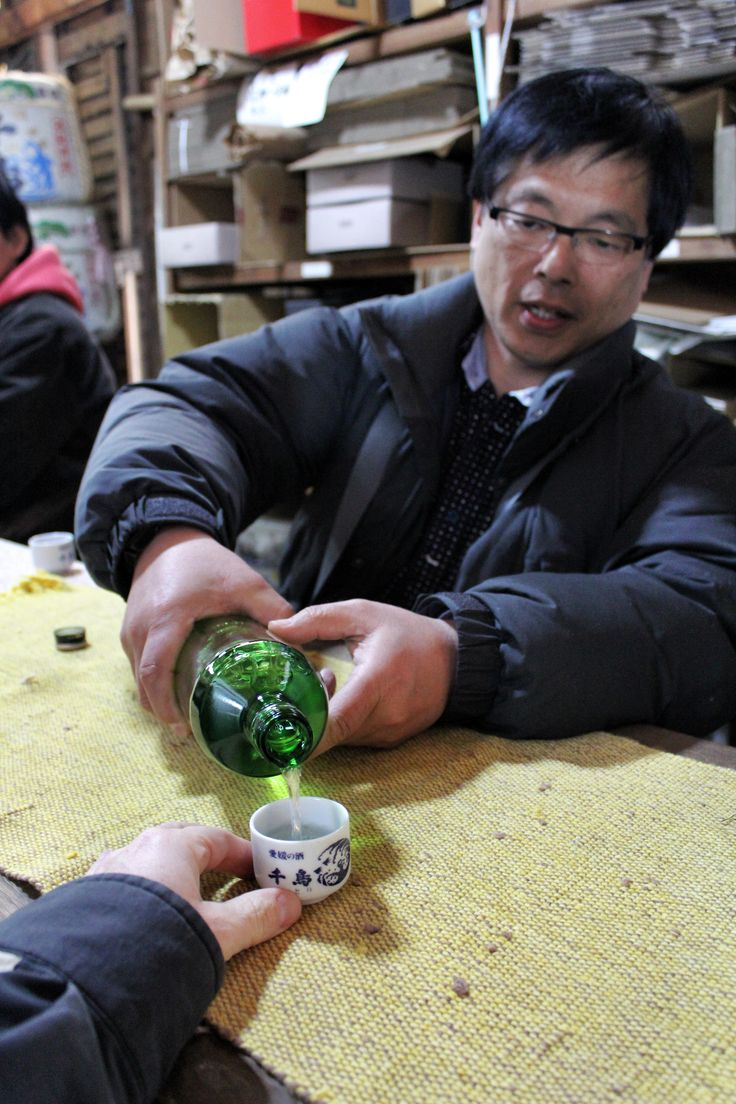 Good sake manners: Pour for each other, hold your cup for the pour.