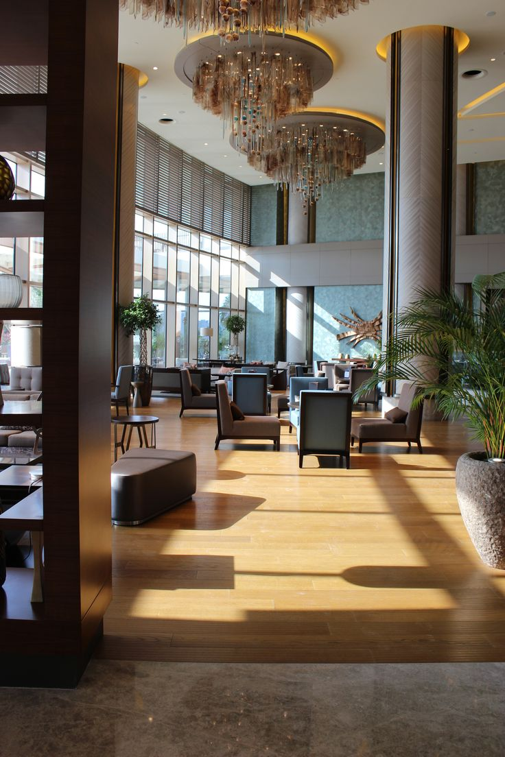 Link Cafe is located at our spacious sunny lobby area