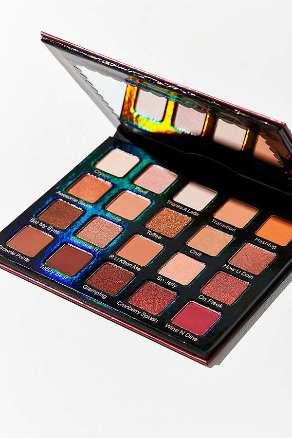Violet Voss Holy Grail Eyeshadow Palette | Urban Outfitters