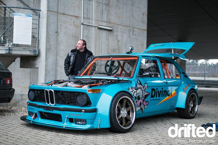 Philipps verrückter BMW 2002 V8