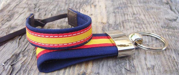 Conjunto marino tela http://www.pi2010.com/bandera-de-España/llavero-españa-pulsera-españa-marino-tela #fabricadoenEspaña #llaverobandera #pulserabandera  Si te gusta, comparte