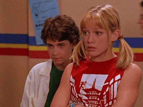 """Pin for Later: 31 Reasons We Need to Make the Lizzie McGuire Reunion Happen And her """"sorry I'm not sorry"""" move."""