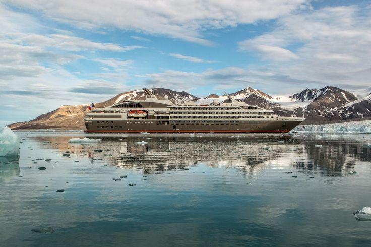 Le navire Boréal de la compagnie Ponant, yachting de luxe - croisière en Antarctique