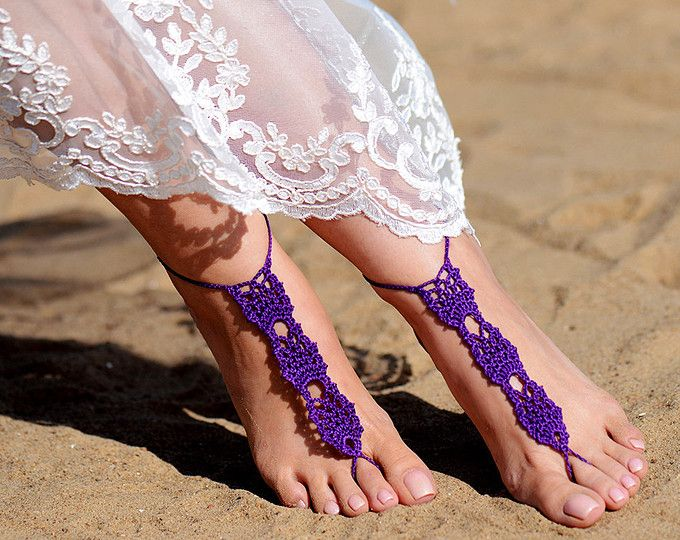 Crochet sandalias Descalzas púrpura, joyería, regalo de la Dama de honor, pies descalzos sandalias, tobilleras, boda, boda en playa, verano zapatos