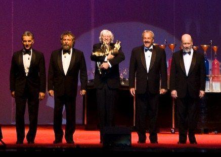 """Final del recital de Los Premios Mastropiero - Les Luthiers - Les Luthiers - """"""""Si no ganamos... estamos perdidos."""""""