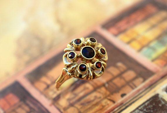Vintage Round Garnet Ring Bohemian Garnet by PrettyDifferentShop