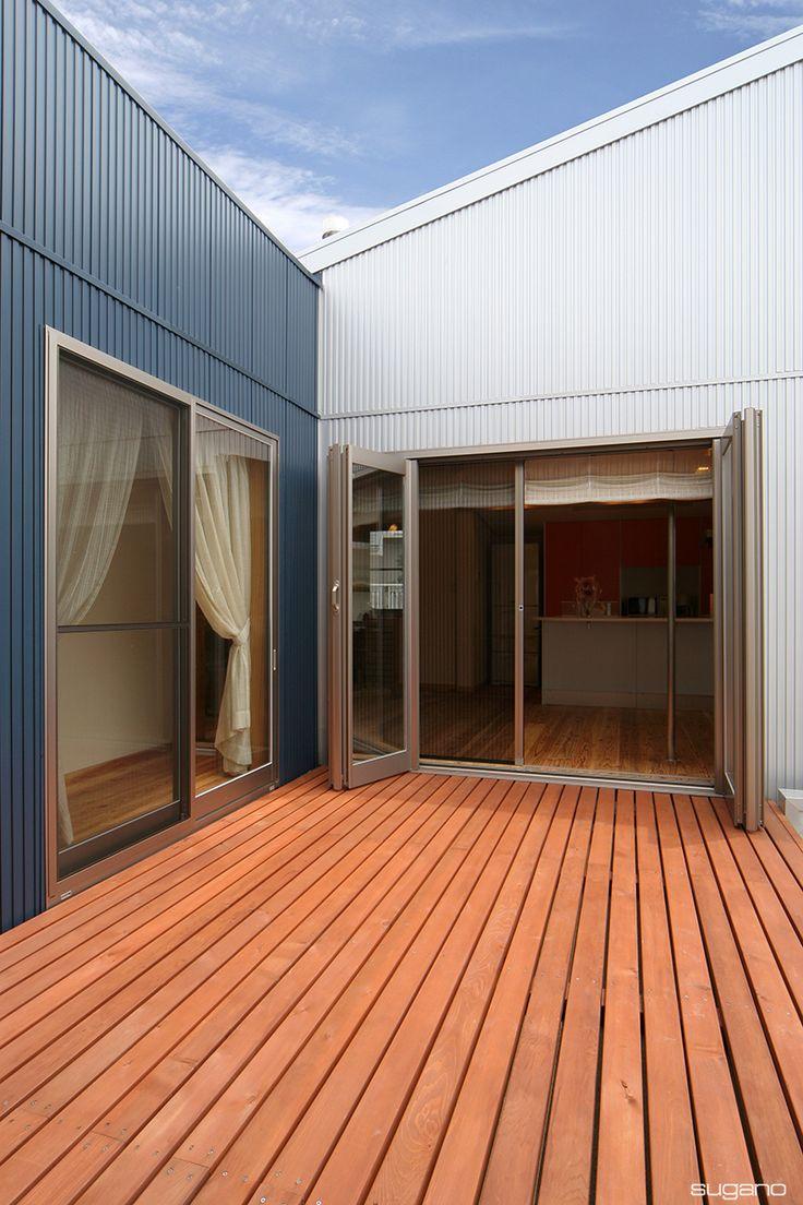 LDKから外に出られるウッドデッキは、子ども部屋ともつながっています!#住宅 #住宅リフォーム #ウッドデッキ #テラス #改修 #リフォーム #ldk #テラスと一体 #設計事務所 #菅野企画設計