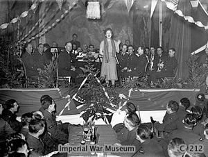 Gracie Fields entertaining the troops
