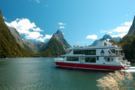New Zealand and Fiji vacation package From $2625