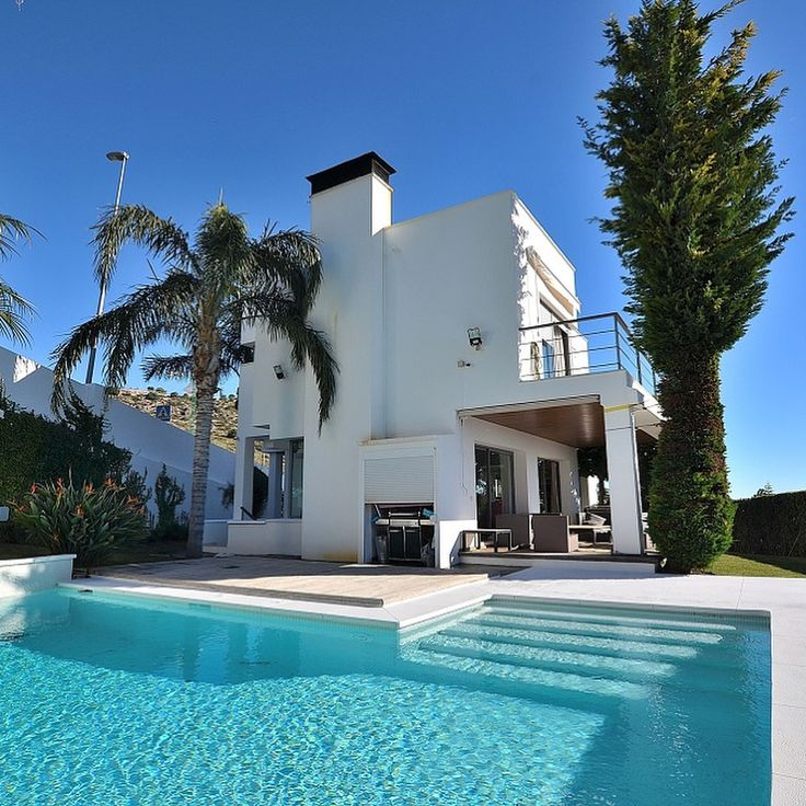Just reduced from 1.200.000  to 1.000.000 ! Modern style villa with fantastic sea views in Benalmádena. Very sunny and bright property with southwest orientation. Salt water pool. Solar panels. Price: 1.000.000   #benalmadena#malaga#costadelsol#luxury#villa#modern#style#amazing#seaviews#saltwaterpool#terraces#sunny#bright#southwest#pricedrop#bbq#garden#solarpanels#garage#property#forsale#euroservicerealestate