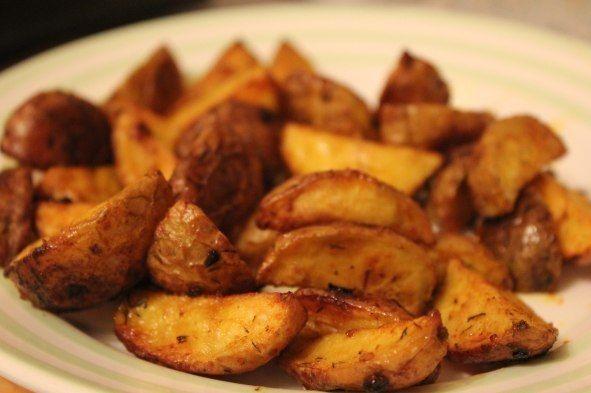 Pečené zemiaky s chrumkovou kôrkou. Vhodné sú nové menšie zemiaky a na marinádu môžete použiť nespočetné množstvo byliniek podľa vlastnej … Čítať ďalej