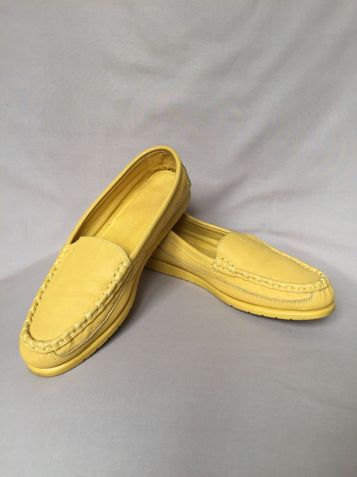 Leather mocassins / summer shoes / yellow shoes / yellow mocassins /  leather shoes / mocassins women / 80s shoes / flat shoes by LOFTOWN on Etsy