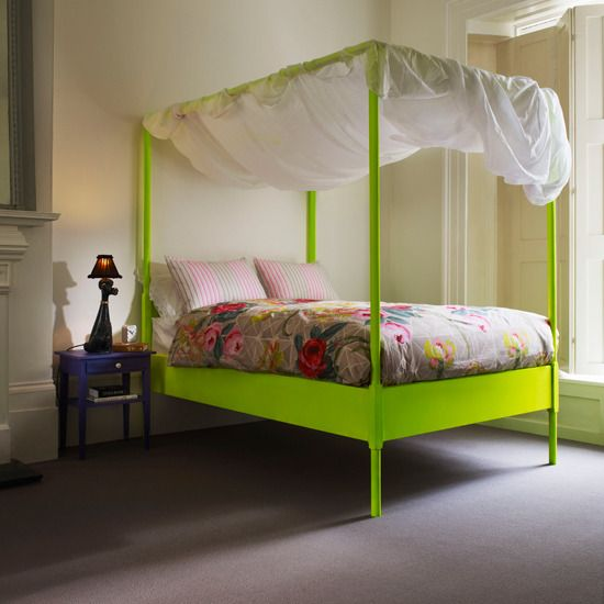 Neon bed: Green Beds, Posters Beds, Neon Green, Interiors Design, Beds Frames, Canopies Beds, Bright Colors, Modern Bedrooms, Kids Rooms