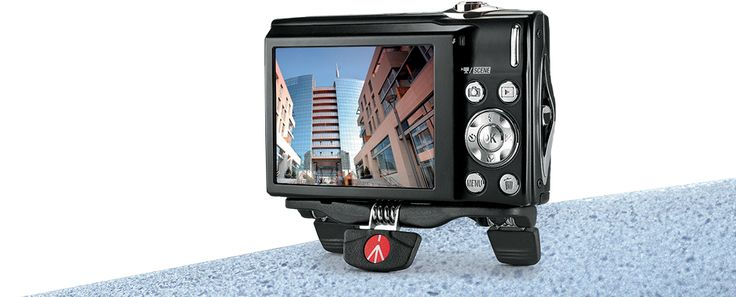 Manfrotto Pocket is an emergency solution designed for people who take a lot of photos and need a lightweight and unobtrusive support.