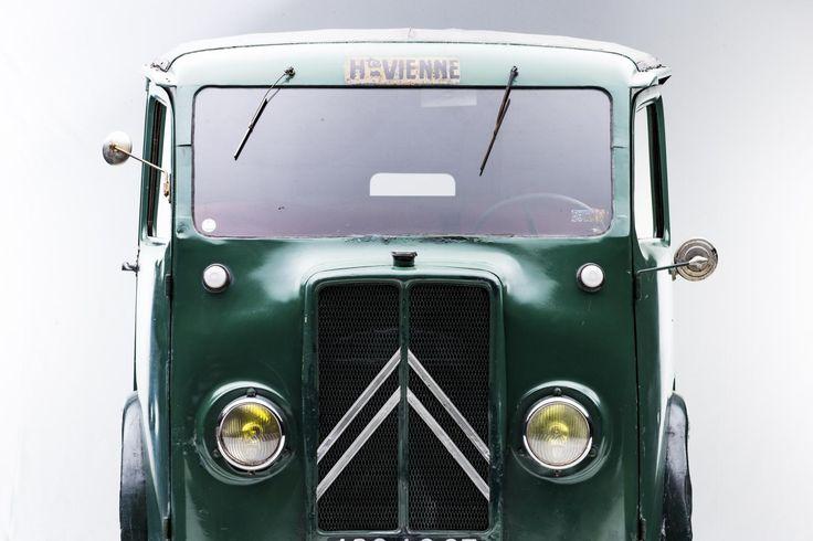 Scoprite la TUB/TUC i suoi aneddoti, ma anche la storia di tutti i veicoli che raccontano la leggenda di Citroën! #CitroënOrigins. http://bit.ly/29RwCFh