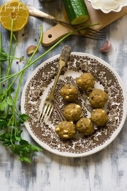 Greckie klopsiki z fetą i kaparami/Greek Meatballs With Feta