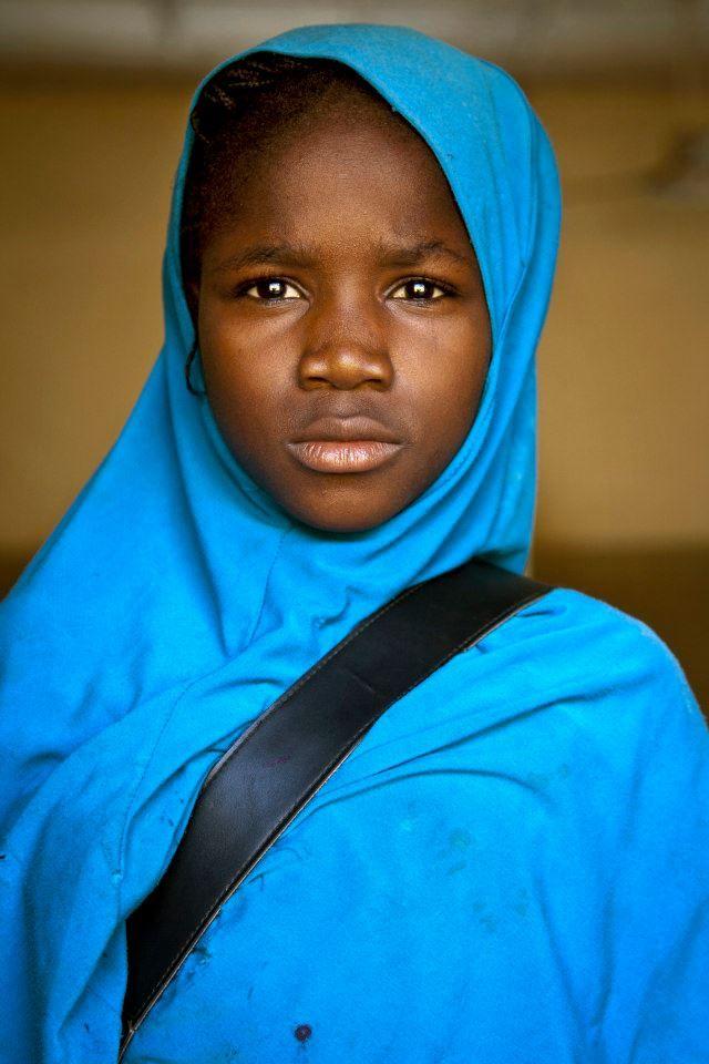 Portrait d'une jeune écolière à Bamako, au Mali (31 oct. 2013) | Photo ONU / M. Dormino