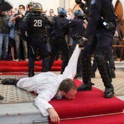 BASTABUGIE - SE IN FRANCIA LO STATO DEMOLISCE LE CHIESE, CHI SGOZZA IL PRETE SEMPLICEMENTE COMPLETA L'OPERA