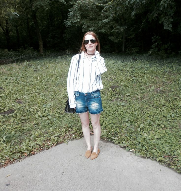 Mini vacay: denim & stripes | Epic Street Style   #distressed #denim #denimshorts #stripes #stripedshirt #suede #flatshoes #loafers #chic #casual #aviators #wiw #outfit #summer #holiday #vacation