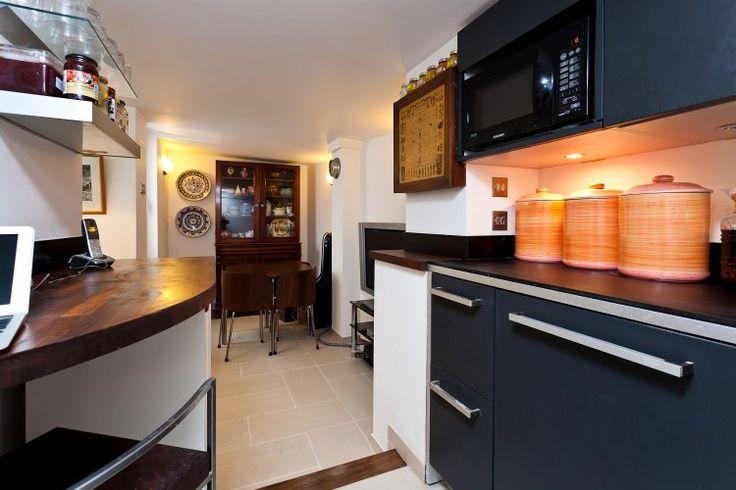 Kitchen basement flat London W8 #cutlerandbond #basementflat #gardenflat #londonproperty