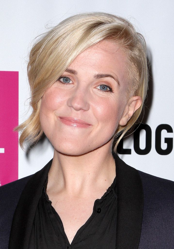 Hannah Hart Photos: Arrivals at the Logo TV's NewNowNext Awards