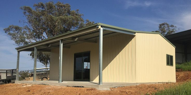 Residential Shed with Lean-to in Gulgong. Cladded with COLOURBOND® steel, opting for Classic Cream® and Pale Eucalypt® from their colour palette.