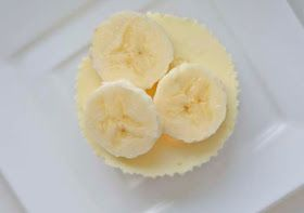 Cup and Cakes: Mini banan ostekaker