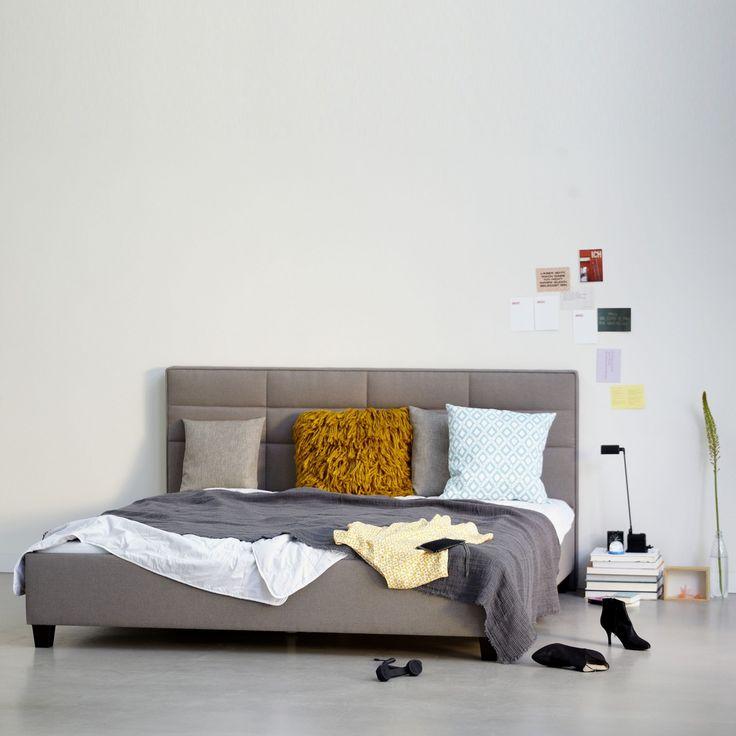 tosno bett im ikarus design shop fondos pinterest ikarus gepolsterter kopfteil und bett. Black Bedroom Furniture Sets. Home Design Ideas