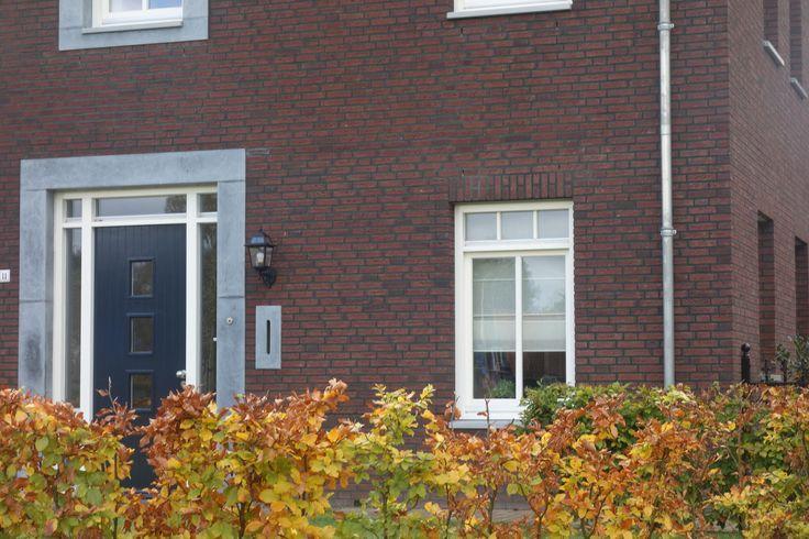 Omlijsting voordeur + zijlichten zonder overkapping  Mauritsstraat 11