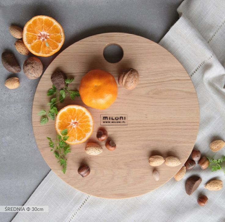 MILONI cutting board - medium size (30cm). Multipurpose. A must have in every kitchen. #miloni #meble #drewno #design #furniture #design #wood #cutting #board #christmas #christmascontest #milonimeble #kitchen #instafood #musthave