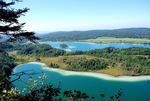 "Lakes are particularly characteristic of Franche-Comté landscapes. Here is a picture of ""Belvédère des Quatre Lacs"" in Jura's country."