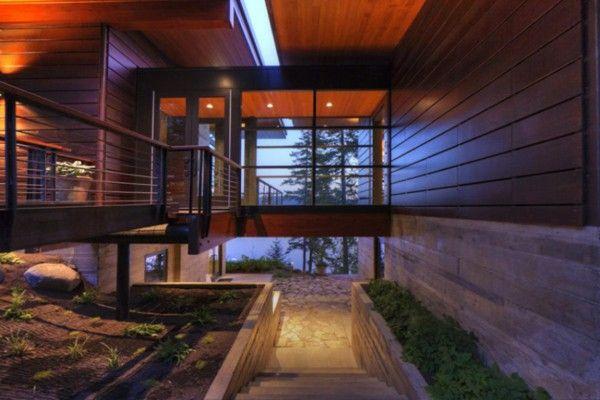 An elegant residence overlooking the lake entrance terrace