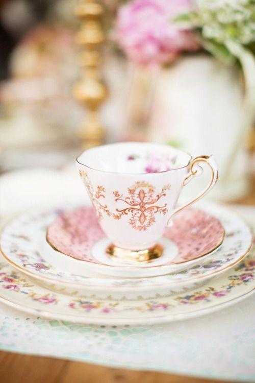 queenbee1924: pretty tea cup in bokeh   Photography Phetish   Pinterest)