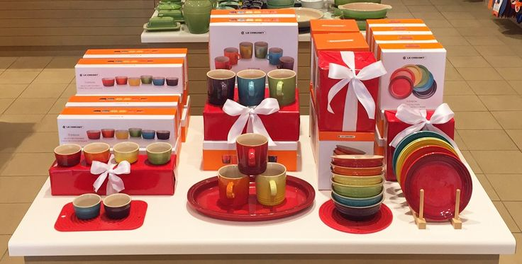 Le Creuset Gift Sets now on sale at all Le Creuset Outlet Stores nationwide will WOW any recipient!
