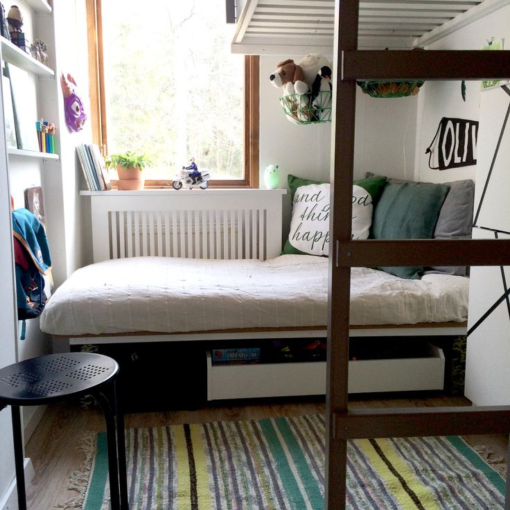 This is one of two tiny rooms I did for two kids in Djurö outside of Stockholm. This 6 year old boy had recently been reunited with his family after had been held by his dad in a different country for more than a year.