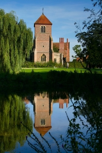 Picture of Mapledurham House and Watermill, Reading, England | PlanetWare