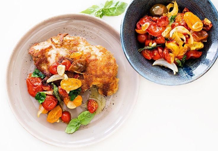 Strøbrød og halloumi-ost gjør denne lettlagde kyllingen ekstremt saftig og sprø.