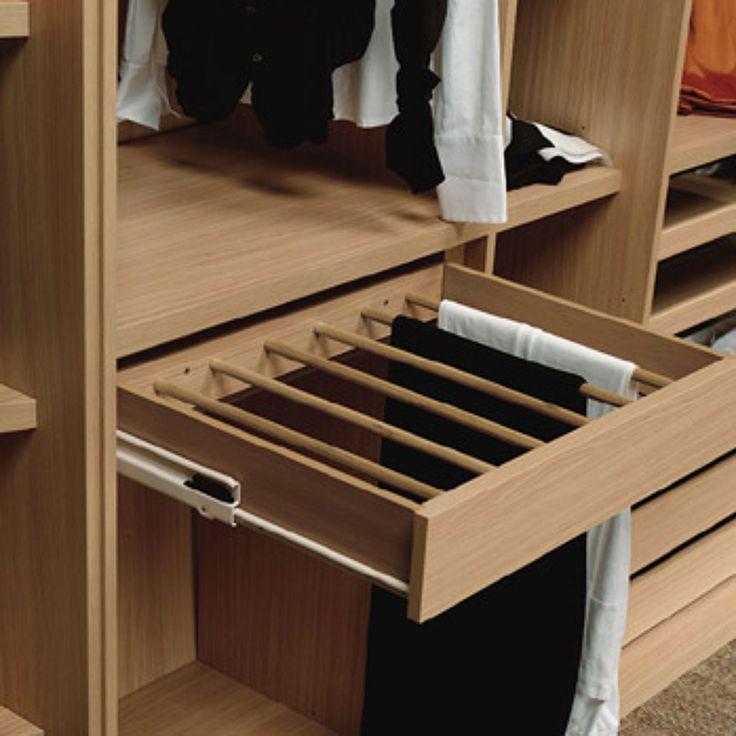 Hacer muebles a medida, closet-vestidor de 3 60 mts x 2 30, 3 módulos, uno para…