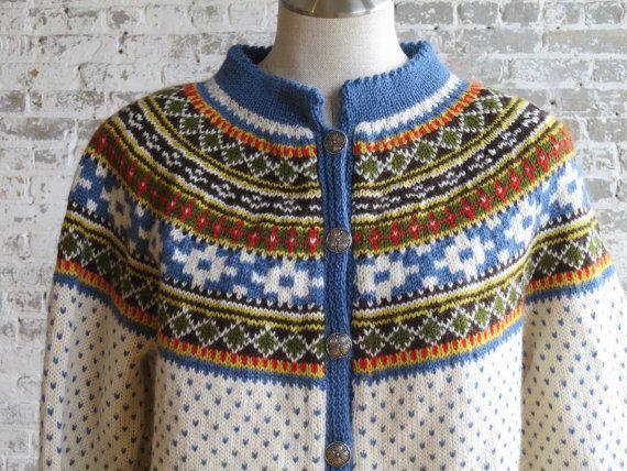 Beautiful women's Norsk Husflid Norwegian 100% wool cardigan, hand knitted in Norway. Size Medium.