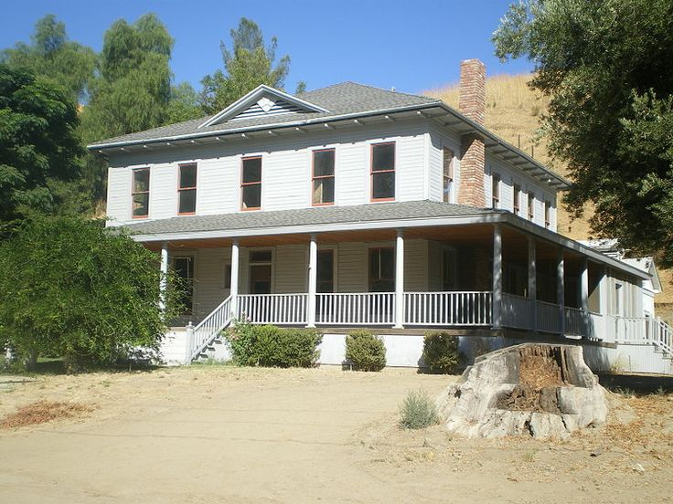 Mentryville - a historical 19th century #western structure seen throughout the pioneer #oil town
